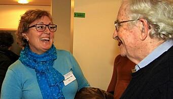 Da Eide møtte Chomsky: Kristin Melum Eide jobber med chomskyansk grammatikk, og de to fant fort tonen da de møttes i Tromsø for noen år siden.