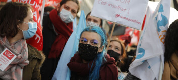 Franske studenter protesterer og krever fysisk undervisning