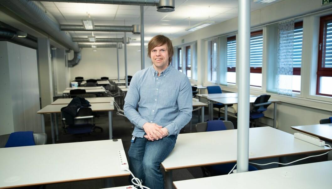 Jan Håvard Ryen fikk gleden av å saumfare NTNU for gamle møbler.