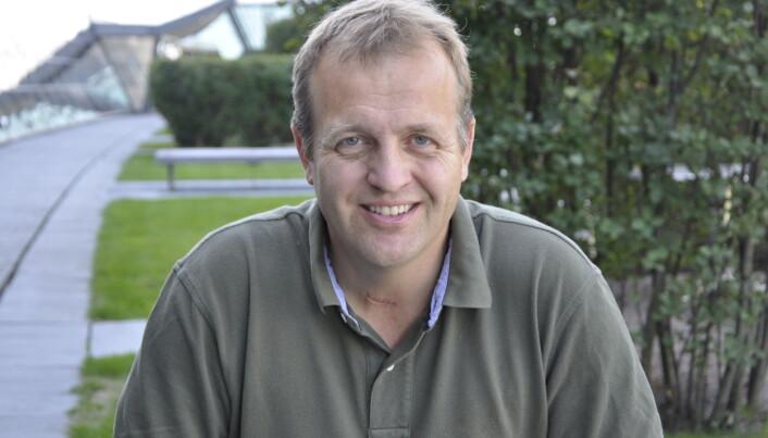 Leder for fakultetsstyret ved IE-fakultetet, Arne Quist Christensen, sier han står 100 prosent bak beslutningen som er gjort.