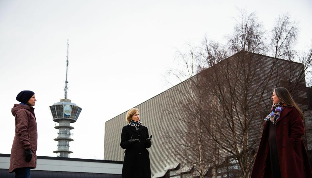 Naboene til bygget, fra venstre: Karin Dyrstad, Marit Sjølie og Line Vaarum sa til UA i mars at de har levd godt med dagens bygninger, men mener Ocean Space Centre blir for gigantisk.