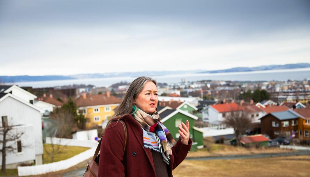 Line Vaarum er vokst opp med Marintek som nabo og blir berørt av det nye anlegget. Her står hun ved akebakken med navn Spruten, som går nedover mot Kong Øysteins veg.