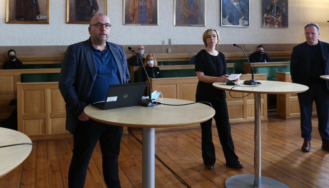 Stilte til valg, nå innstilt til avskjedigelse: Øyvind Eikrem (til høyre) her avbildet under Universitetsavisas valgdebatt for en plass i NTNU-styret. Nå skal samme styre få avskjedigelsen av ham til behandling senere i høst, dersom ansettelsesutvalget ved SU-fakultetet beslutter å gå videre med saken. Arve Hjelseth, som også stilte til valg, er nytt medlem i dette utvalget. I midten Brita Fladvad Nielsen.