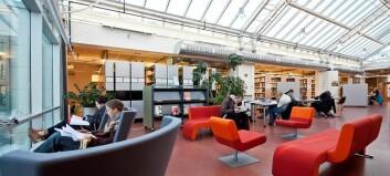 NTNUs nye biblioteksjef får ei omorganisering i fanget
