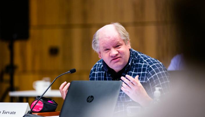 Tim Torvatn mener det burde huskes at man ikke nødvendigvis behersker engelsk som administrativt språk selv om man behersker det vitenskapelig.