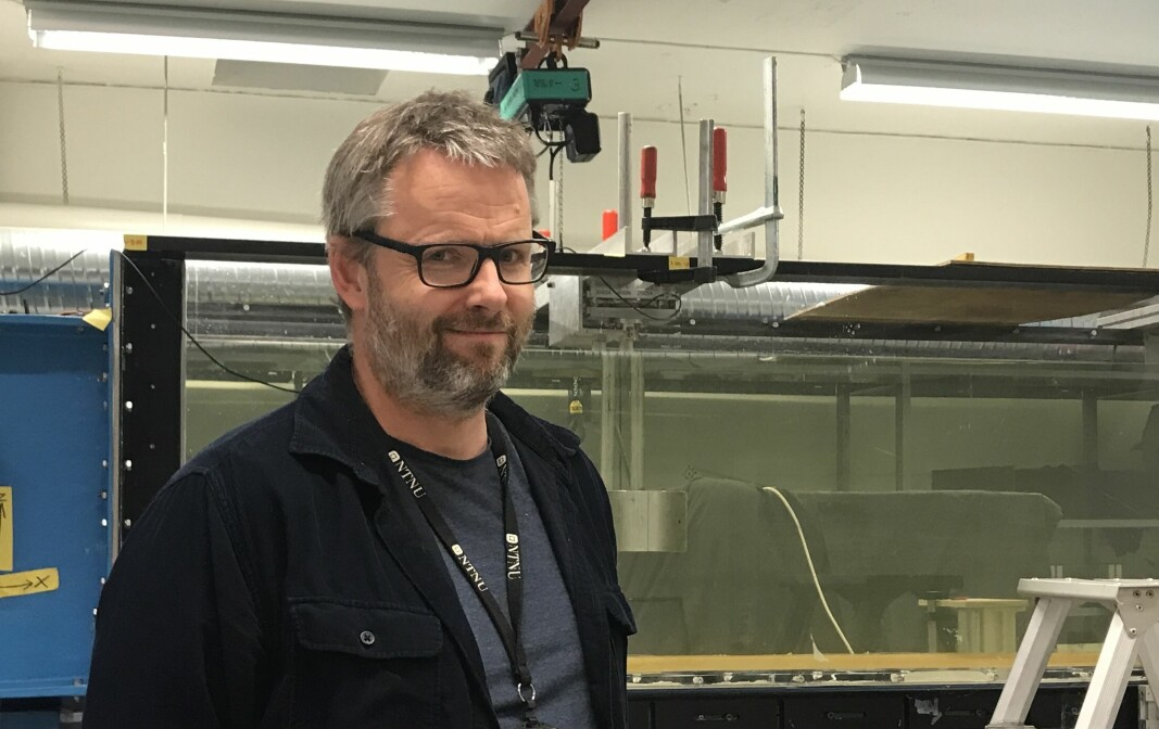 Pål Lader, her ved CWT-lab (Circulating Water Tunel), et av de små laboratoriene instituttet bruker mye til undervisning.