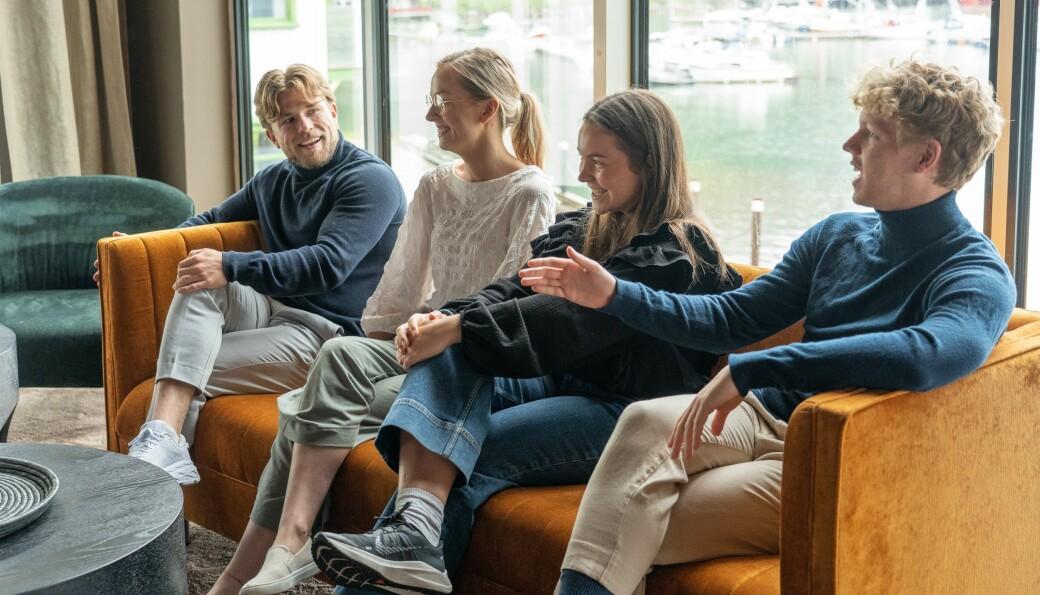 Stian Topland, Linda Guddal, Maria Hubbuck og Marcus Grand er halvveis i et åtte ukers opphold sammen.