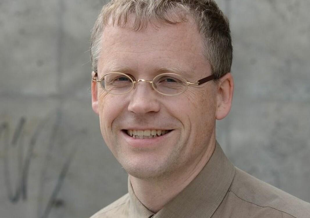 Dagens lærerutdanning fungerer sentraliserende, skriver lektor Raymond Lillevik i Nesna.
