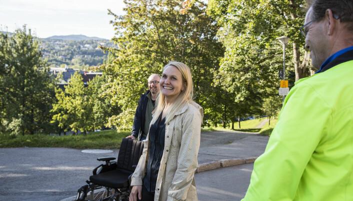 Hanna Maria Jones flankert av Kristian Lian til venstre og Arild Norberg Ræder til høyre.