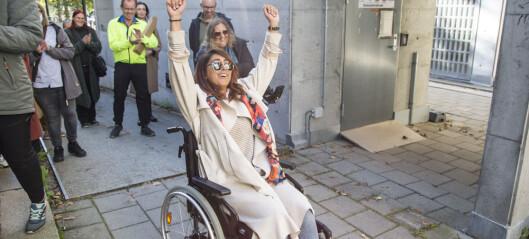 Arrangerte «Walk of shame» på Gløs for å vise mangelen på universell utforming