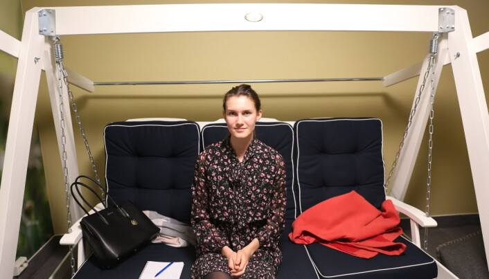 Lika Razina kommer fra Russland og studerer industriell økologi. Hun synes video hjelper når engelskkunnskapen ikke strekker til.