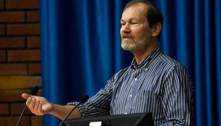 Øyvind Østerud er professor ved Universitetet i Oslo.